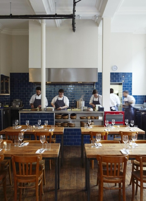 EAT IN LONDON'S HOT SPOTS