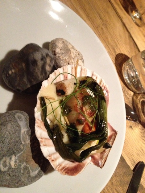 BEAUTIFULLY COOKED SCALLOP TO START THE IN-FLIGHT MENU
