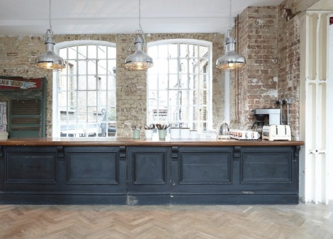 DELICIOUS LONDON.FEB, 2014 - EAST LONDON VENUE WITH OPEN KITCHEN/ BAR FEATURE