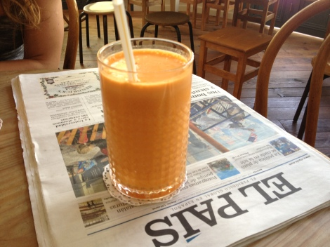 FRENSH JUICES AND A PAPER I CAN UNDERSTAND A FEW WORDS IN!