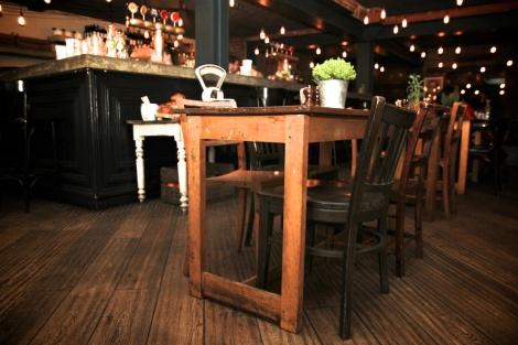 COMFORTABLE, RELAXED  INTERIORS AT ALICE HOUSE